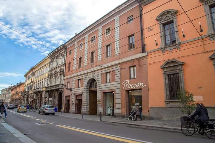 Budynek, w którym siedzibę ma kancelaria Folloni&Partners